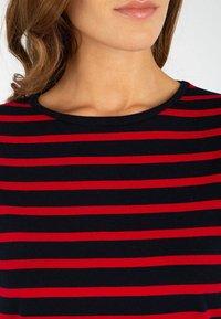 Armor lux - MORGAT MARINIÈRE - Print T-shirt - rich navy/braise - 2