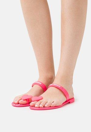Sandalias de dedo - fuxia
