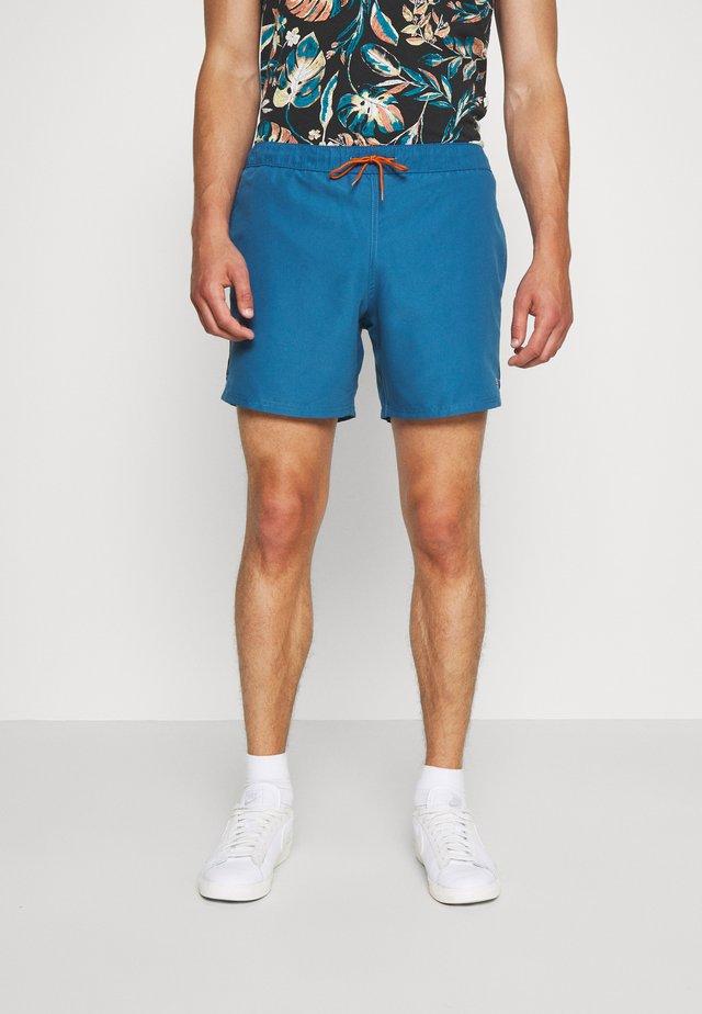 COLBERT PLAIN - Shorts - blue grape