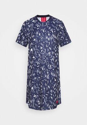 FRANKREICH FFF DRESS - Sportovní šaty - blackened blue/university red