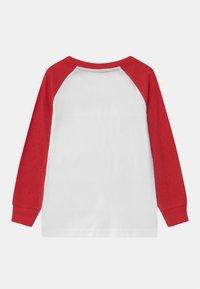 Nike Sportswear - SAFARI FUTURA RAGLAN - Camiseta de manga larga - white - 1