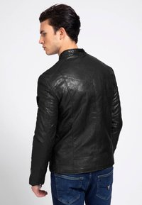 Guess - Faux leather jacket - schwarz - 2