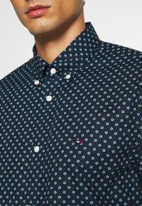 Tommy Hilfiger - FLORAL GEO PRINT - Shirt - blue - 4