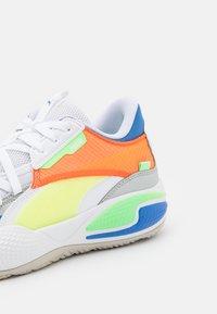 Puma - COURT RIDER TWO FOLD - Basketball shoes - white/palace blue - 5