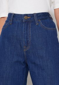 Lee - WIDE LEG - Jeans relaxed fit - rinsed denim - 5