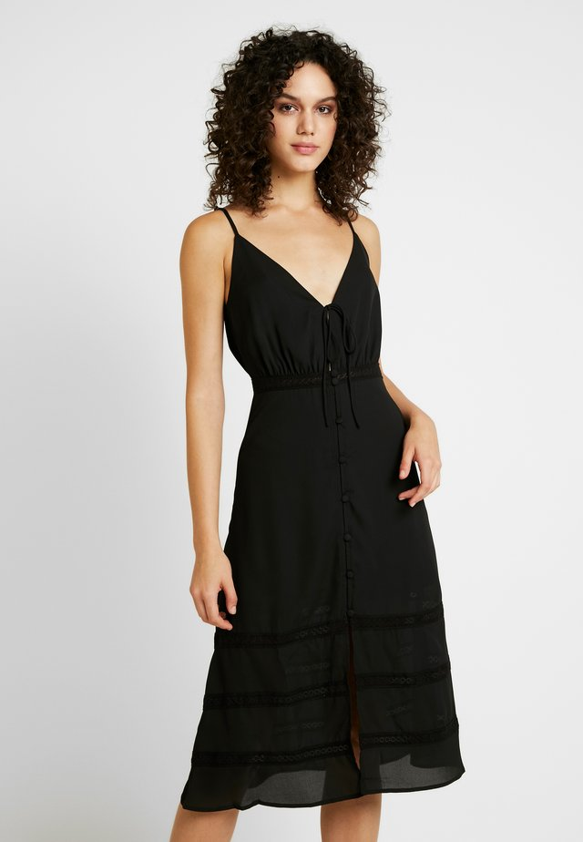 SPAGHETTI STRAP BUTTON FRONTDRESS - Vardagsklänning - black