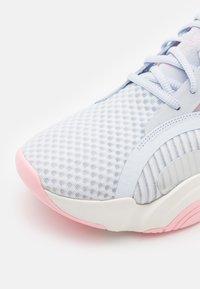 Nike Performance - SUPERREP GO - Zapatillas de entrenamiento - football grey/bright crimson - 5