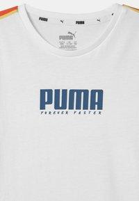 Puma - ALPHA TAPE UNISEX - T-Shirt print - white - 2