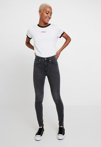 Levi's® - MILE HIGH SUPER SKINNY - Vaqueros pitillo - smoke show - 1