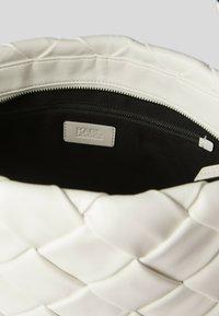 KARL LAGERFELD - Shopping Bag - white - 2