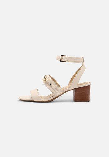 ROXANE FLEX MID - Sandals - light cream