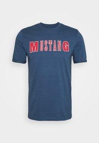ALEX  - Print T-shirt - ensigne blue