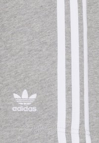 adidas Originals - BLOCKED UNISEX - Shorts - black - 6