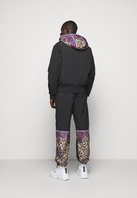 Versace Jeans Couture - CRINKLE  - Light jacket - nero - 2