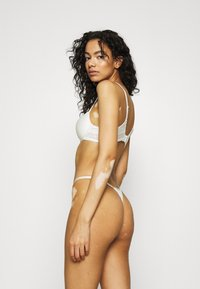 Underprotection - LUNA - Thong - white - 2