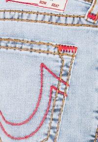 True Religion - ROCCO SUPER T 1/2 - Jeans Straight Leg - light wash - 2