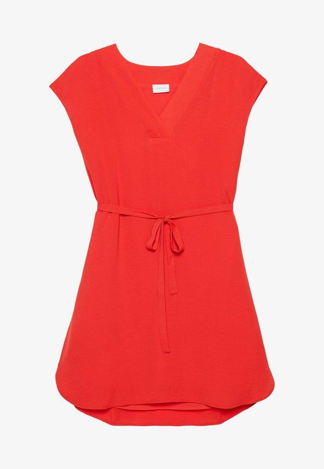 JAHULA BELT DRESS - Denní šaty - red