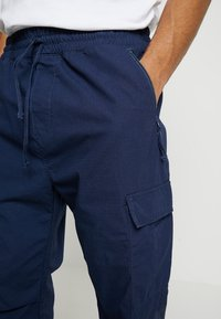 Carhartt WIP - JOGGER COLUMBIA - Cargo trousers - blue rinsed - 3