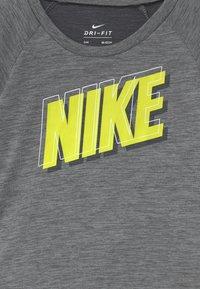 Nike Sportswear - RAGLAN SET  - Triko spotiskem - black - 3