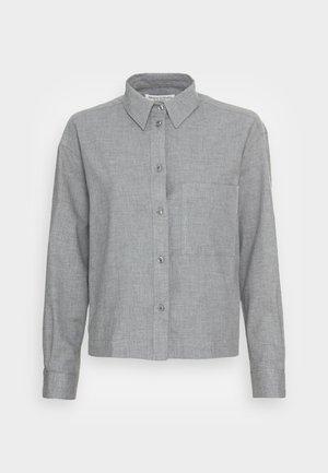 BLOUSE LONG SLEEVE KENT COLLAR CROPPED - Button-down blouse - soft grey melange