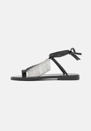 BASSO CON FRANGIA CRYSTAL - T-bar sandals - nero