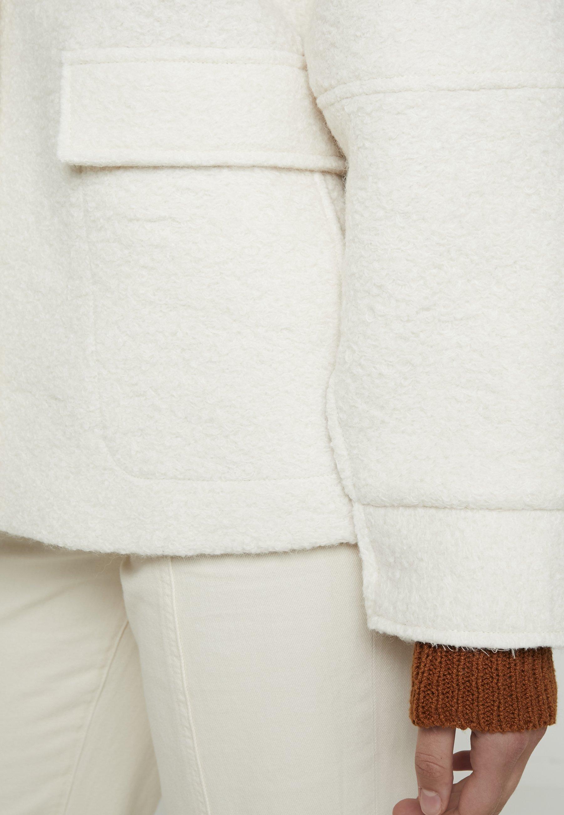 KIOMI Lett jakke off white Zalando.no