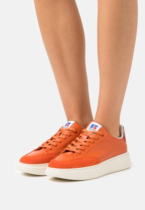 Boss x Russell Athletic AMBER - Trainers - bright orange