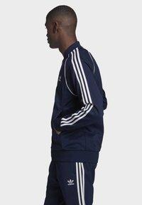 adidas Originals - ADICOLOR CLASSICS PRIMEBLUE SST TRACK TOP - Träningsjacka - blue - 2