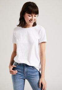 Phyne - T-shirt basique - white - 0