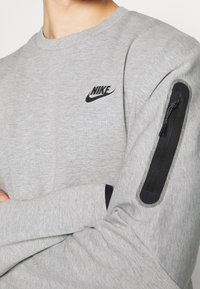 Nike Sportswear - Sweatshirt - grey heather/black - 5