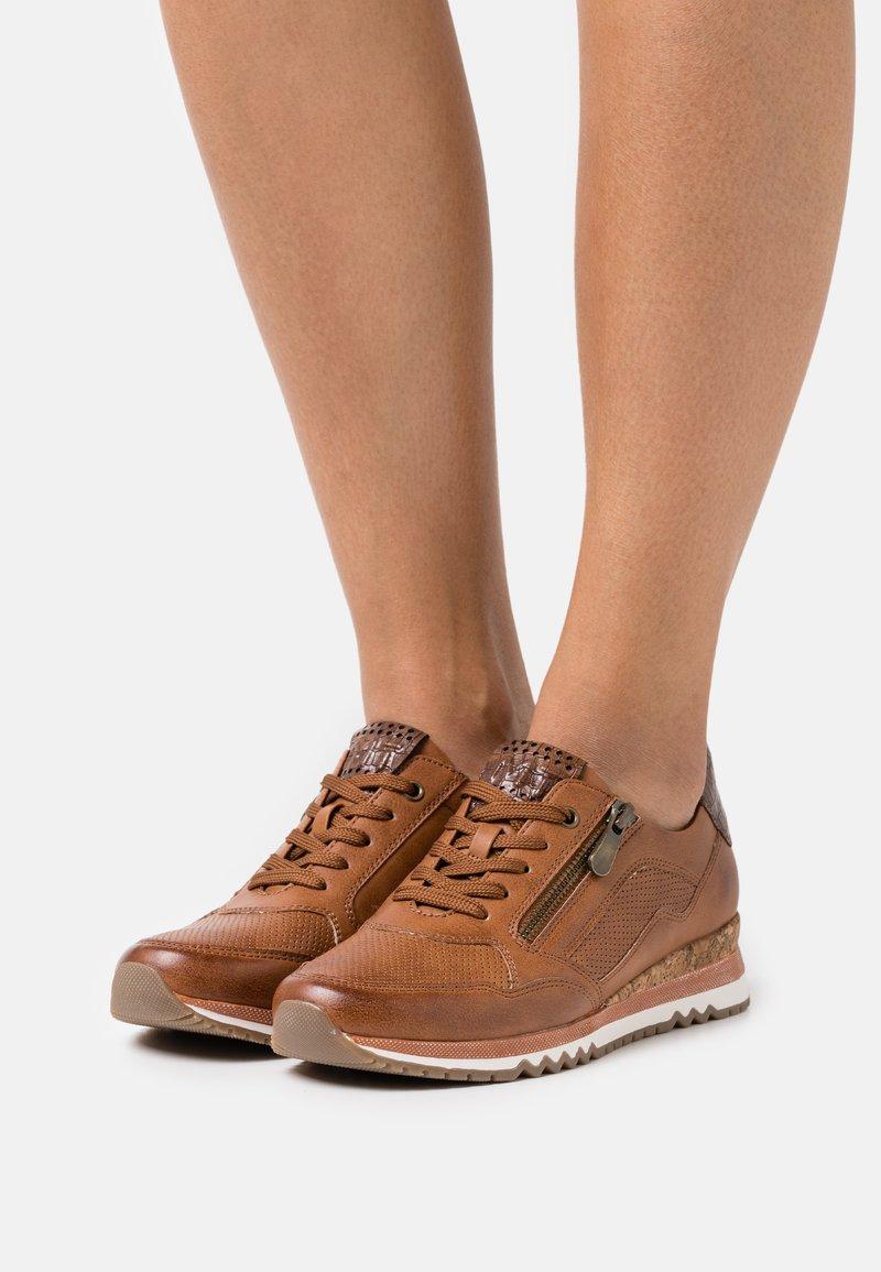 Marco Tozzi - Sneaker low - cognac