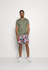 adidas Performance - RUN IT CAMO - Sports shorts - orbit grey/signal pink/legend blue - 1