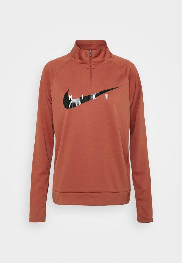 RUN MIDLAYER - Sportshirt - canyon rust/black