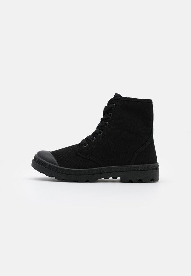 TASH - Kotníková obuv - black
