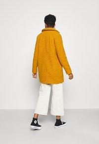 Noisy May - NMGABI - Classic coat - inca gold/lining black - 2