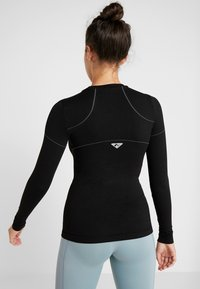 ONLY Play - ONPHUSH RUN CIRCULAR TEE - Koszulka sportowa - black - 2