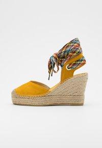 Vidorreta - High heeled sandals - mostaza - 1