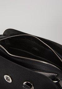 Tommy Hilfiger - CORE MED SATCHEL - Handbag - black - 3