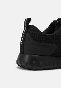 Calvin Klein Jeans - RUNNER LACEUP - Sneakers - black - 4