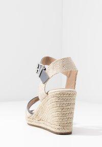 mtng - NEW PALMER - Sandály na vysokém podpatku - natural - 5