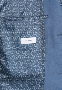 Isaac Dewhirst - THE FASHION SUIT NOTCH - Puku - blue - 8