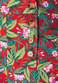 King Louie - MELODY PANTS SALINA - Pantalon classique - red - 2