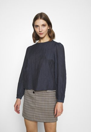 VMNANNA - Long sleeved top - ombre blue