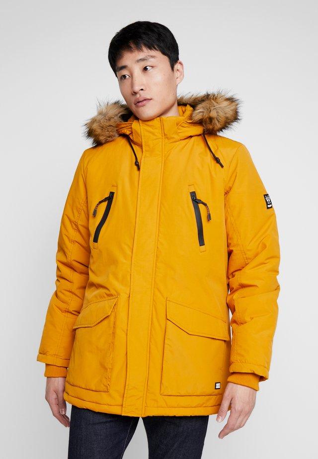 DEMSEY TASLON - Winter coat - ocre