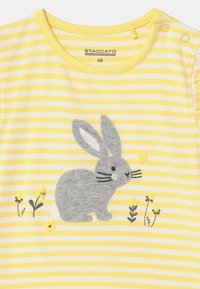 Staccato - 2 PACK - Print T-shirt - white/yellow - 3