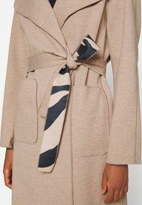 Vila - VIJUICE ZEBRA COAT - Classic coat - natural melange - 5
