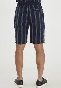 Tailored Originals - TOADRIAN  - Shorts - dark sapphire - 2