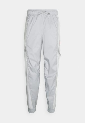 PANT - Tracksuit bottoms - grey fog/summit white/infrared