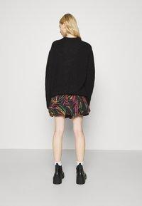 Farm Rio - SHINNY ZEBR BALLOON SKIRT - Mini skirt - multi - 2