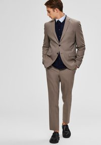 Selected Homme - SLIM FIT - Suit trousers - sand - 1